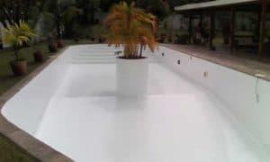 Intérieur piscine résine époxy Madagascar société EMCI