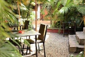 Terrasse restaurant le Bretagne Tananarive