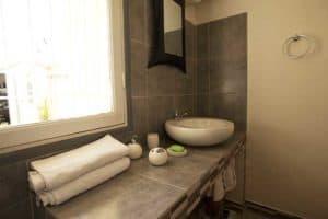 Salle de bain Appartement meublé Chez Joseph Tananarive Madagascar