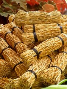 Artisanat vétiver Madagascar Fagot senteur armoire