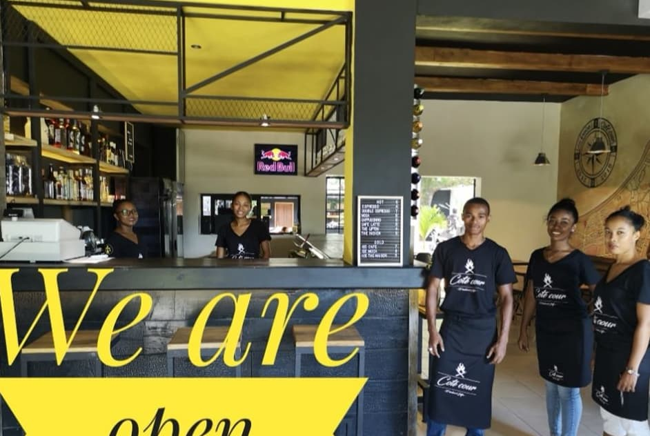 La Braise Côté Cour Restaurant Street Food Tamatave Madagascar