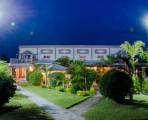 La Cigale Hôtel Chambres Piscine Foulpointe Madagascar