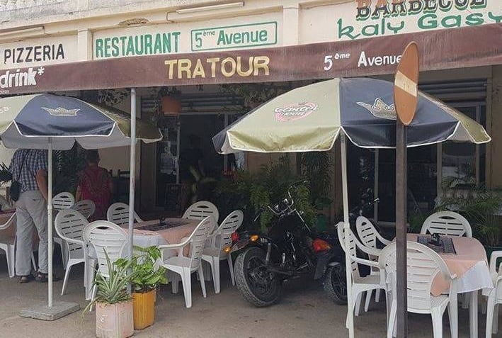 5 ème Avenue Restaurant Cuisine Européenne Malgache Majunga Madagascar