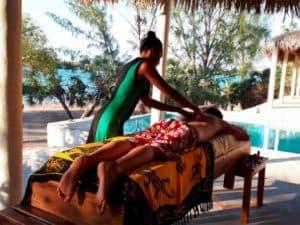 Domaine Mandravasarotra Hôtel Piscine Massage Antsanitia Majunga Madagascar