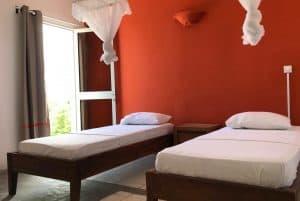Hôtel Du Phare Chambres Appartements Piscine Salle De Séminaire Réception Majunga Madagascar