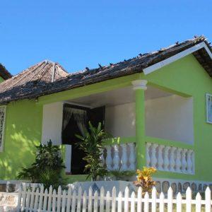 WJ Bungalow Piscine Chambre Double Familiale Majunga Madagascar