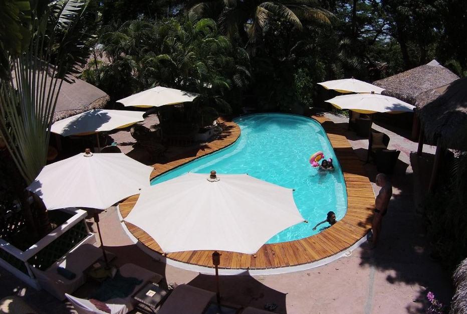 Hôtel Tropicana Bungalows Piscine Resto Bar Centre Ville Majunga Madagascar