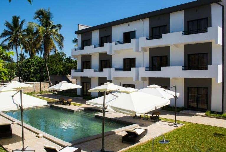 Skar Hôtel 3 étoiles Piscine Restaurant Majunga Madagascar