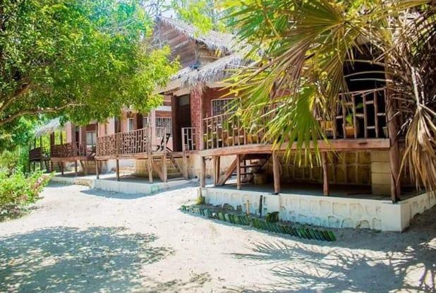 Villa Shama Bungalows Proche Plage Amborovy Majunga Madagascar