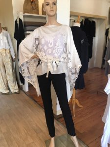 Arabesque Boutique Prêt à Porter féminin Tendance Fashion Tananarive Mada